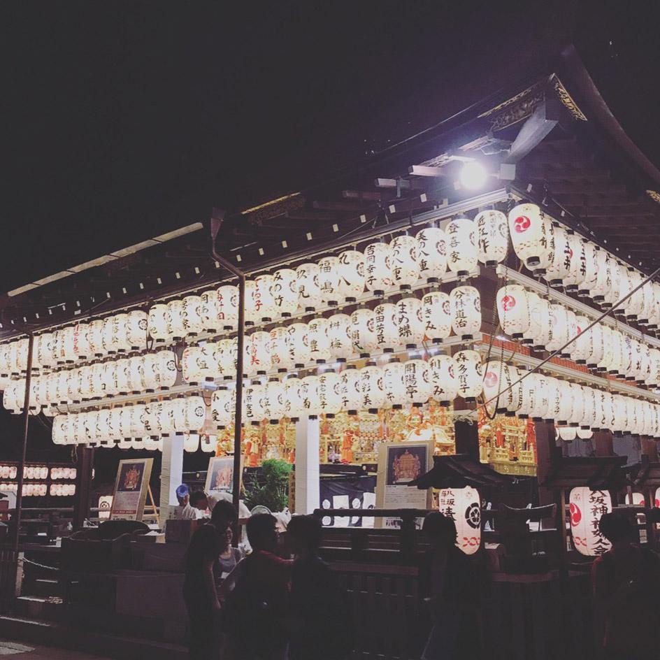 八坂神社の舞台